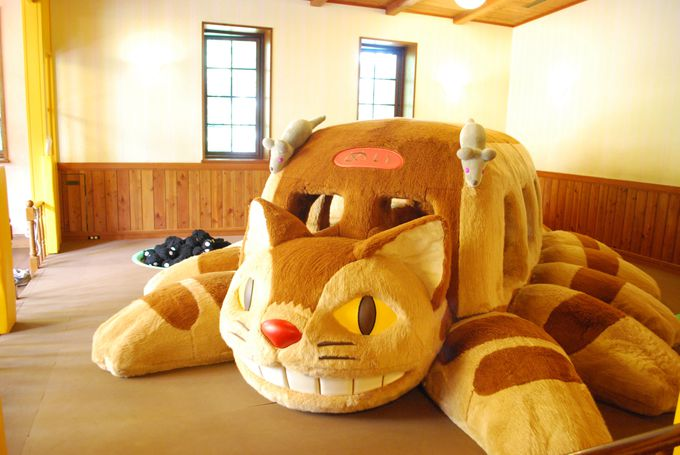 ジブリ美術館 ネコバス 大人
