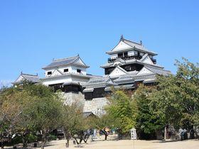 道後温泉だけやないっ!伊予の国・松山には「秋より高い」天下の名城『松山城』があるけんね~!