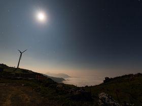 天然のプラネタリウムがここに!四国カルストから見る星空と雲海