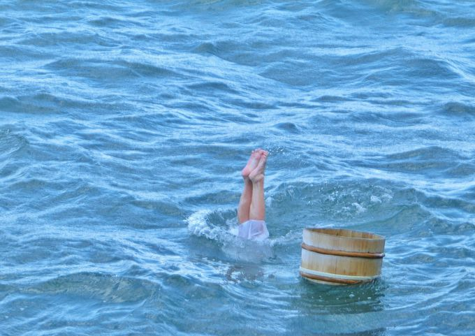 伊勢志摩・ミキモト真珠島、海女の実演がシンクロナイズドスイミングのように美しい!