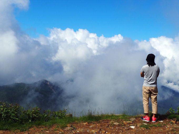 雲上なのに行列が!標高2307mのパン屋~横手山頂ヒュッテ