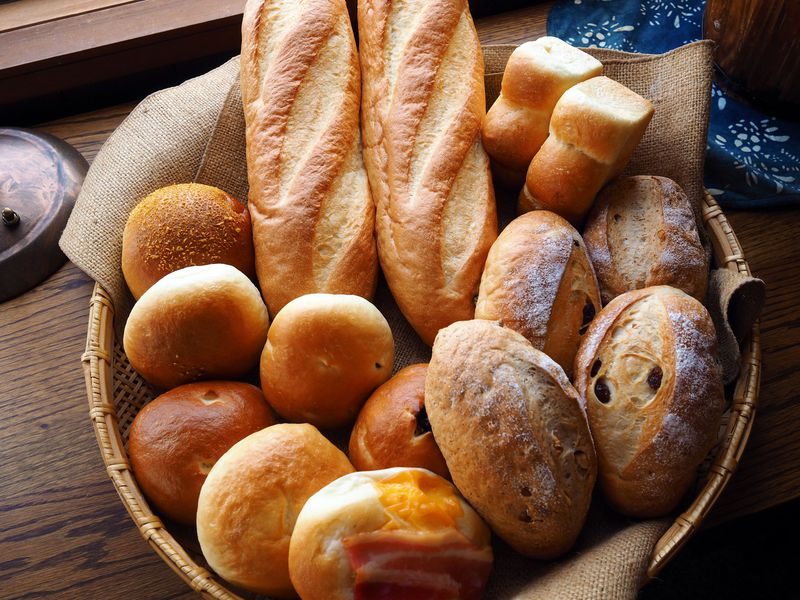 売切れ続出!毎朝、山頂で焼き上げる「横手山頂ヒュッテ」のパン