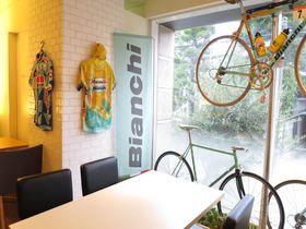 自由が丘に吹くイタリアの風!『ビアンキカフェ&サイクルズ』で美しい自転車とともにランチはいかが|東京都|[たびねす] by Travel.jp