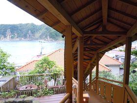 紺碧の海を望む海辺の温泉民宿!西伊豆・松崎町岩地「青風園」|静岡県|トラベルjp<たびねす>