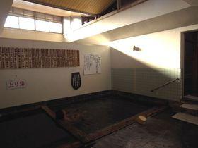 鮮度抜群のぬる~い温泉「奴留湯温泉共同浴場」熊本県小国町|熊本県|[たびねす] by Travel.jp