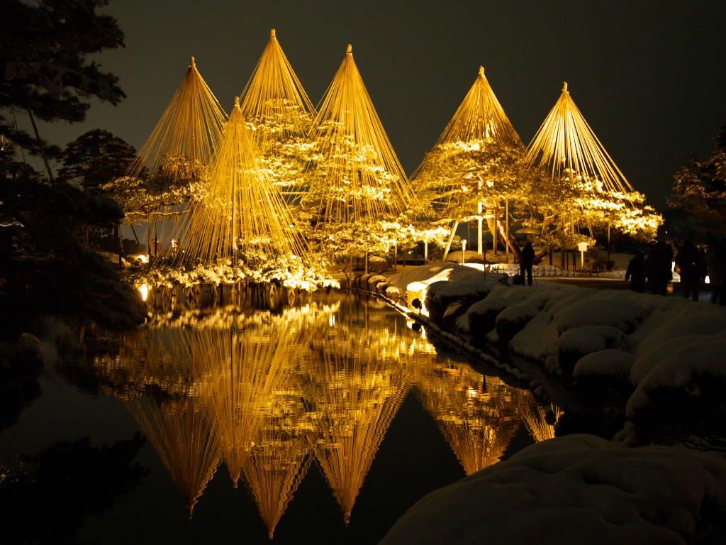 古都の夜に煌めく!金沢城・兼六園の冬のライトアップが幻想的