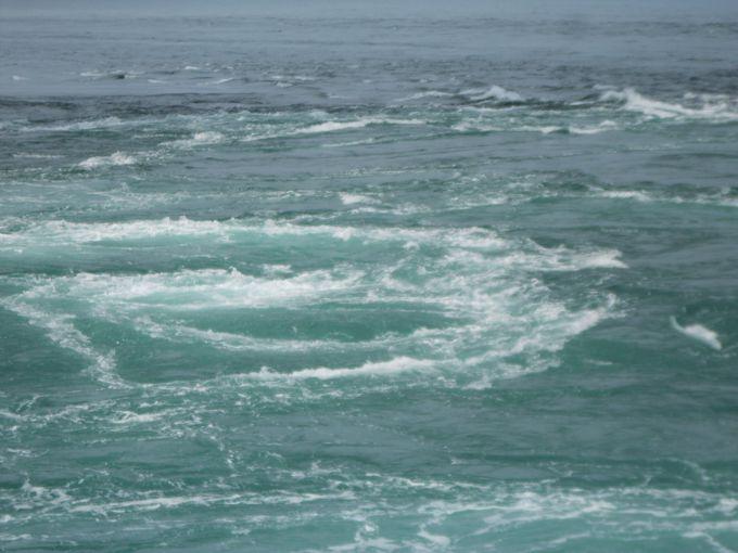 鳴門の渦潮観光でダイナミックな渦潮が楽しめるのは春!大潮の時間を狙うのがコツ。 | 兵庫県 |
