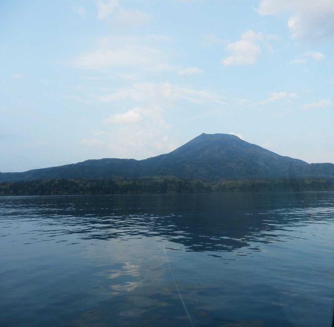 写真:ミセス和子 阿寒湖の面積は13.28平方キロメートルです。湖の周... マリモとヒメマスが