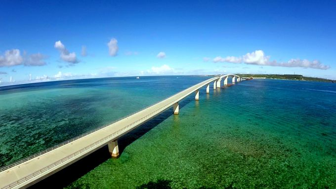 絶景ッ!日本一長い橋で青い海を渡ろう!宮古島「伊良部大橋」