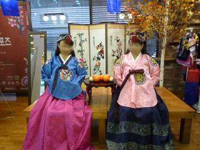 タダで王妃に!ソウルの真ん中で無料韓服体験「明洞観光情報センター」
