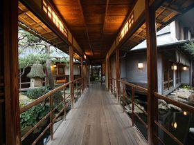 ギャラリーも必見!唐津の名旅館「洋々閣」で、心地よい和の空間に浸る旅。