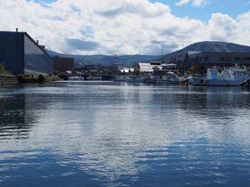 港町・小樽の魅力は水上からこそ味わえる!小樽運河クルーズ