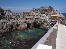 海遊び好き必見!神津島「赤崎遊歩道」で島の海を満喫!