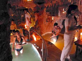 アンデス火山の泥風呂や洞窟風呂も!エクアドル「ピエドラ・デ・アグア」