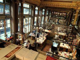 リュッセル・欧州最古のアーケードへ!『世界一美しい本屋さん』も必見