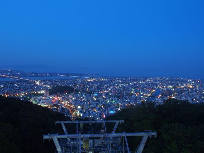 徳島の夜は、市街を展望する万葉の秀峰で~眉山~