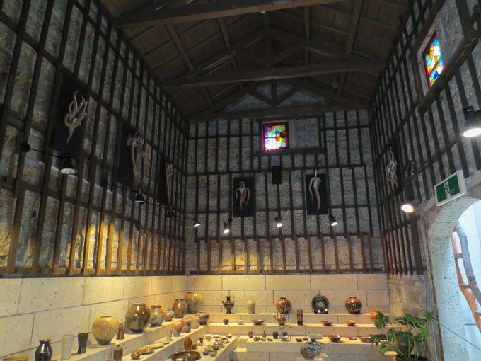 陶芸の町・益子「陶庫」は魅惑の品揃え!キュートなシッポ時計も‼