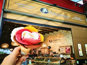 オシャレ過ぎる薔薇のジェラート「アモリーノ」をスペインで頂く!