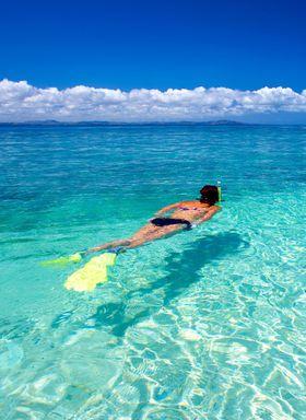 太陽が照らすクリスタルブルーの海に大感動!フィジーの無人島「サウス・シー・アイランド」