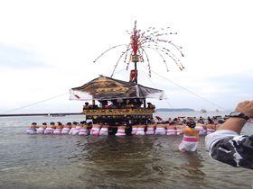 海の中を山車が進む! 愛知、蒲郡の奇祭「三谷祭り」 愛知県 Travel.jp[たびねす]