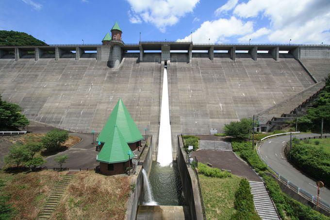 山中にメルヘンなダム!?福岡県の篠栗町にある「鳴淵ダム」とは
