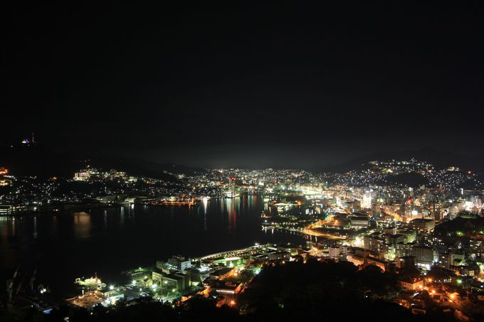 長崎で夜景スポットのハシゴ!稲佐山と鍋冠山公園で二つの違った夜景を楽しもう