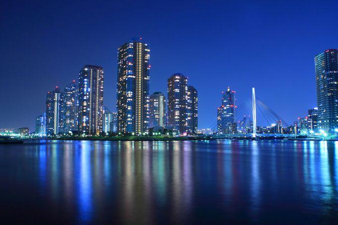 ロマンチックな雰囲気が最高!夜の東京・隅田川河口付近