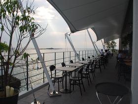 まるで海の上に浮かぶレストラン!?神奈川・佐島「MARIN&FARM」|神奈川県|Travel.jp[たびねす]