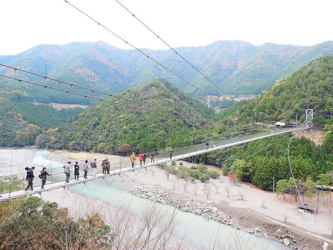 絶叫と絶景!奈良・十津川村「谷瀬の吊り橋」郷土おでんと温泉で〆!