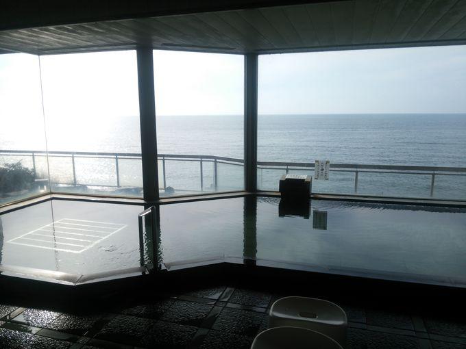 日本海一望の絶景風呂&鮭グルメ満喫!新潟・瀬波温泉「瀬波はまなす荘」