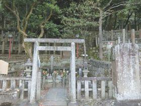 京都・東山で竜馬と共に夜明けを望む