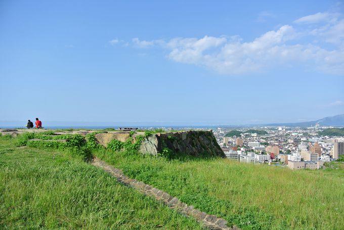 市街一望の絶景スポット!ハイキング気分で登れる「米子城址」