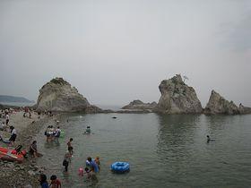 岩手「浄土ヶ浜」で海水浴!国立公園で泳ぐ贅沢な体験!