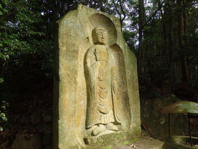最古の玉眼仏から大石棺仏まで!奈良県天理市の古刹・長岳寺