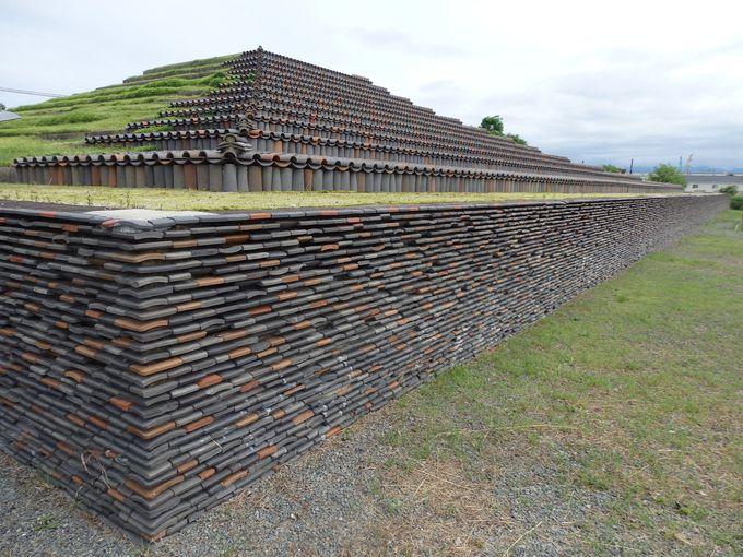 大阪に謎のピラミッド?巨大な現代アート?堺市の「土塔」