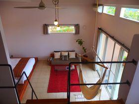 海外ブロガーがブレイクさせた、沖縄のSOMOSはたった2室のホテル