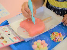世界に1つのアイスを!沖縄「ブルーシール アイスパーク」でデコ体験|沖縄県|トラベルjp<たびねす>