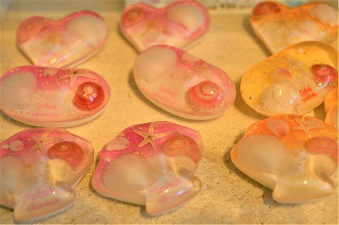 貝殻やヒトデなどの自然素材が使われたカワイイ雑貨たち
