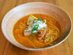 沖縄そばの新ジャンル!「琉球拉麺スパイスカレーteianda」