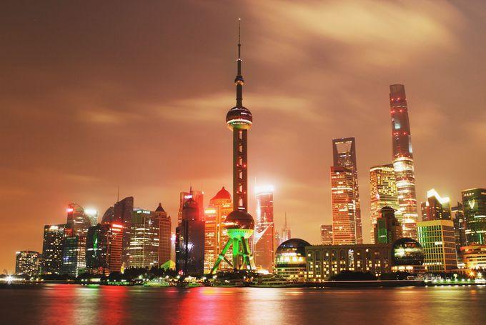 ついにオープン!黄浦公園で高さ世界第2位の上海タワーを見渡せ