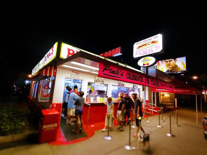 ハリウッドセレブ御用達!アメリカンサイズのホットドッグ