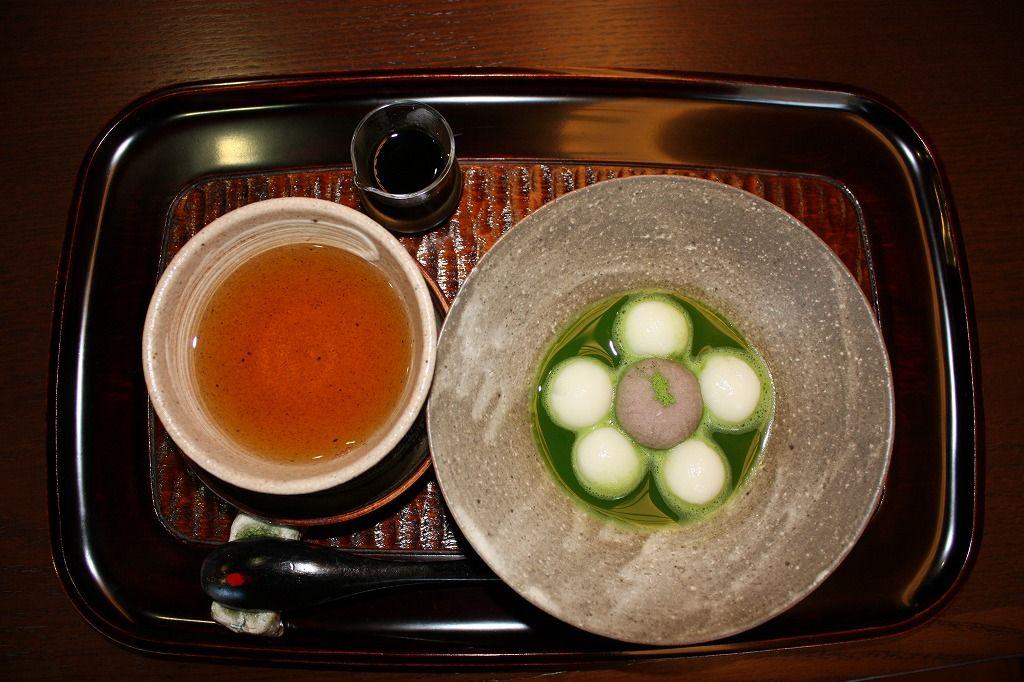 湯のまち道後に癒しの一席。日本茶専門カフェでゆっくり、まったり。