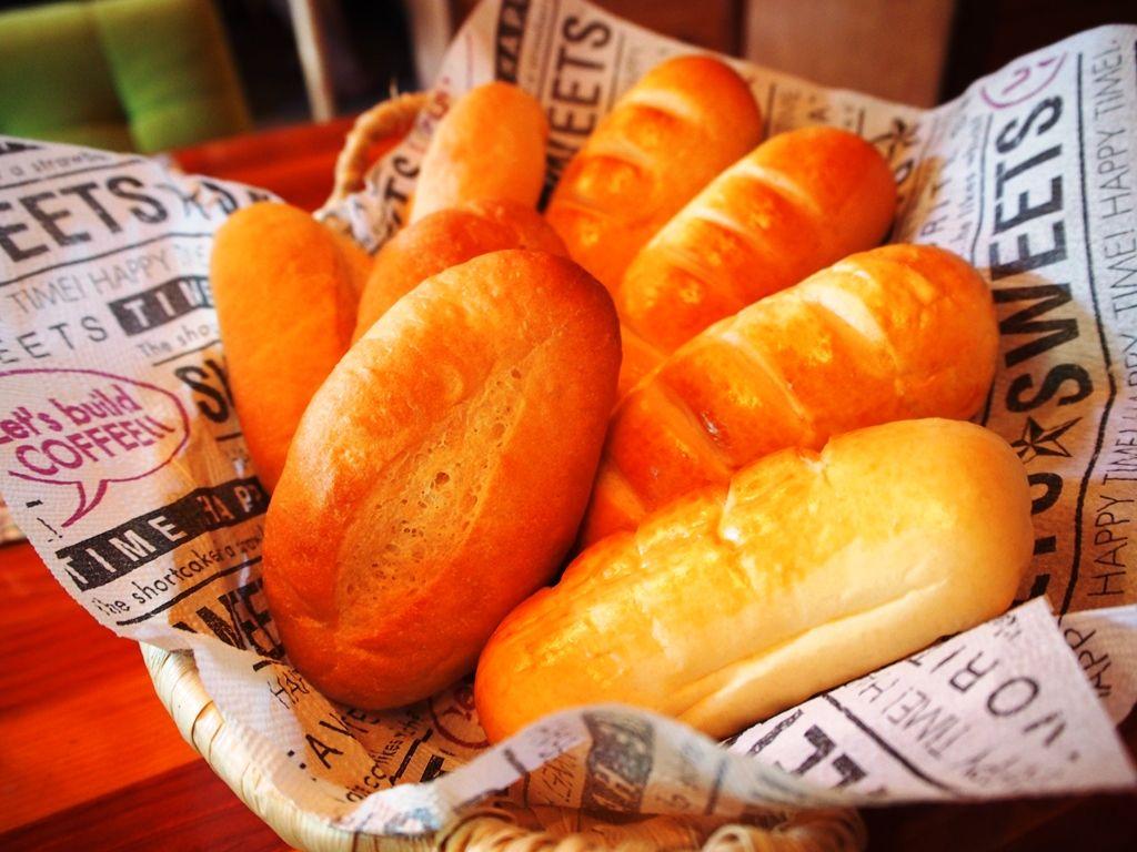ご主人が腕を振るうディナー、朝食の手作りパンも絶品!