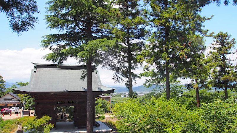 紅葉狩りも楽しめる 小布施の定番観光スポット「岩松院」