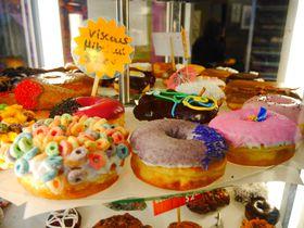 ポートランド発!1度は食べたいポップな「ブードゥドーナツ(Voodoo Doughnut)」