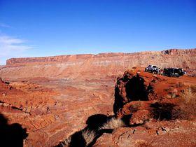 モアブの大自然を4WDでドライブ!オフローダーの聖地で遊ぶ