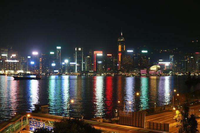 香港に来たら一度は見たい「シンフォニー・オブ・ライツ」