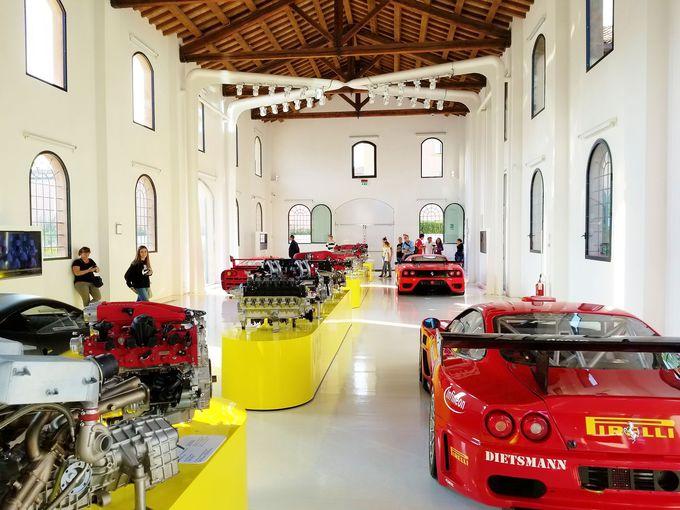エンジン博物館は、マシンとしてのフェラーリを間近に感じる