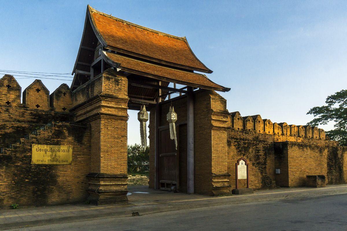 仏教の聖地ランプーン。チャーマテヴィゆかりの地を訪ねる