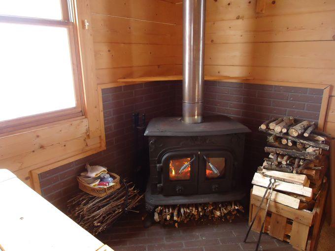 薪ストーブの本物の火の癒し。
